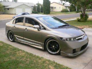 Honda - Civic 4Dr