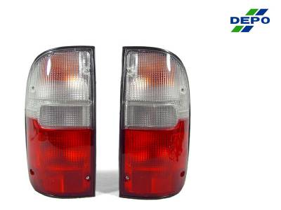 Depo - Toyota Tacoma 2Wd/4Wd Red/Clear Rear DEPO Tail Light