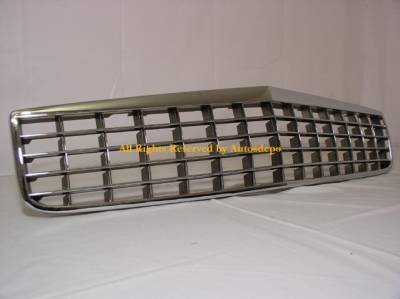 Custom - Curved Chrome Front Grille