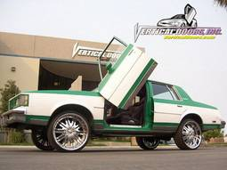 Vertical Doors Inc - Oldsmobile Cutlass VDI Vertical Lambo Door Hinge Kit - Direct Bolt On - VDCOLDCUT7888