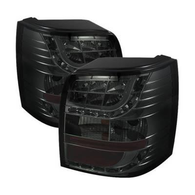 Spyder Auto - Volkswagen Passat Spyder LED Light Bar Taillights - Smoke - ALT-YD-VWPAT01-5D-LBLED-SM