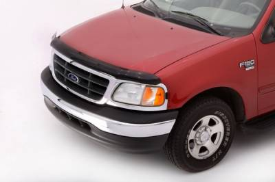 Suburban - Front Bumper - Lund - Chevrolet Suburban Lund Interceptor Hood Shield